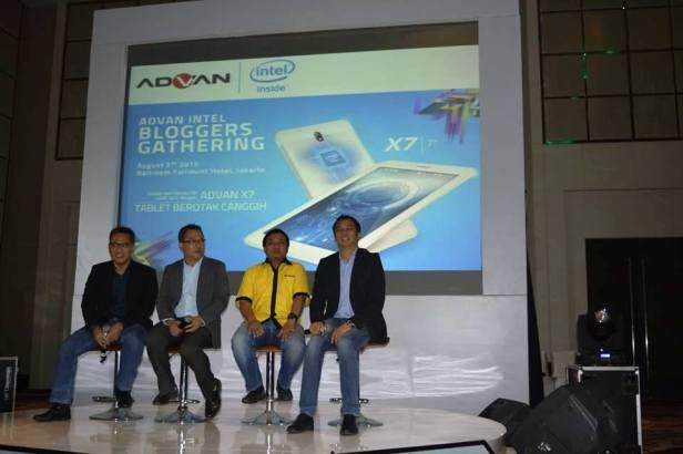 Advan-Intel-Blogger-Gathering