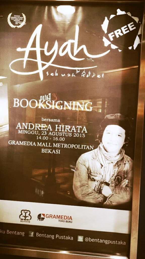Booksigning-Novel-Ayah-Andrea-Hirata-Gramedia-Mall-Metropolitan-Bekasi