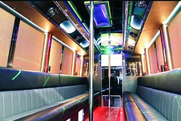 Interior-Bus-VIP-XL-Xtreme-HD-360-Video-Hotroad-4G-LTE