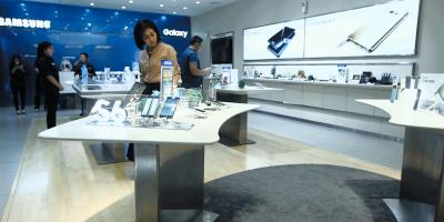Samsung-Experience-Store-Kartini-April-2016.jpg