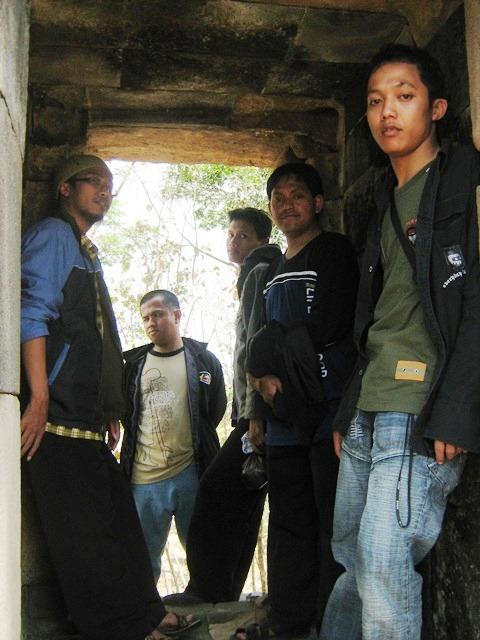 Lorong-Lorong-Istana Juga Banyak Ditemukan Di Kompleks Istana Ratu Boko